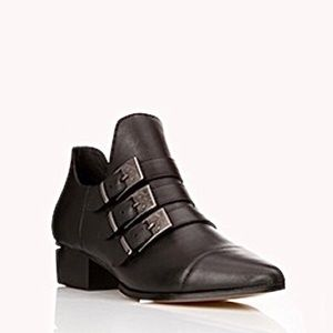 Forever 21   High Fashion Buckle Ankle Boots